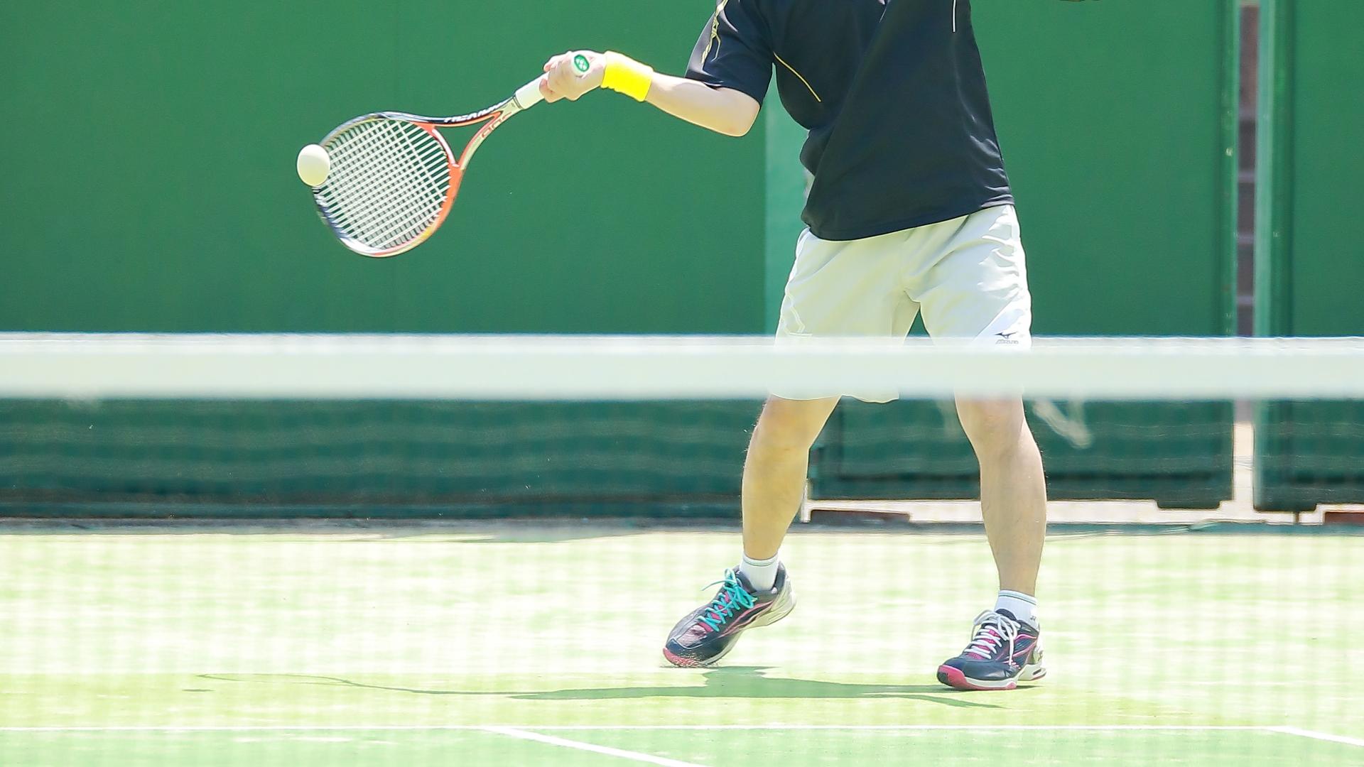 【テニスの基本】フォアハンドストローク打ち方・体の使い方