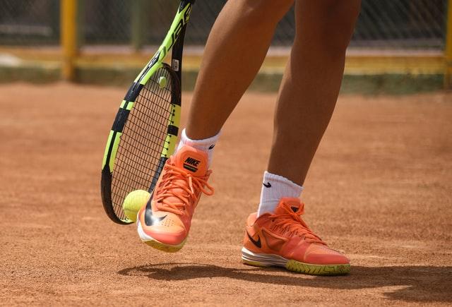 テニスシューズの特徴・選び方・歴史