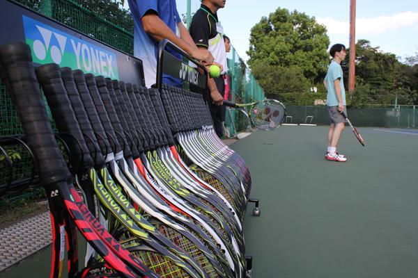 テニスラケット選びで見落としがちなフレームの硬さ(RA値)。